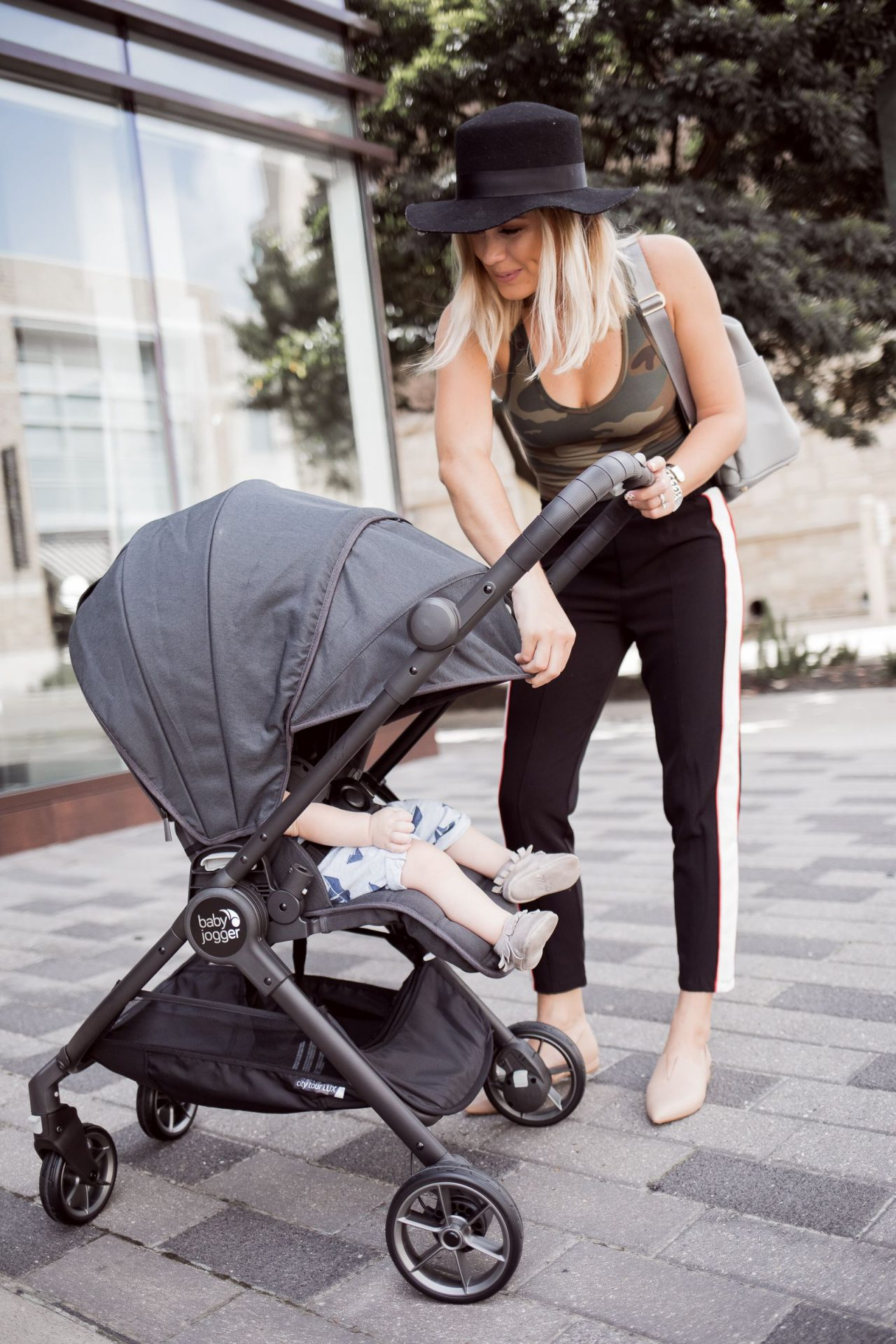 Recension: Baby Jogger City Tour Lux - En resevagn för ...