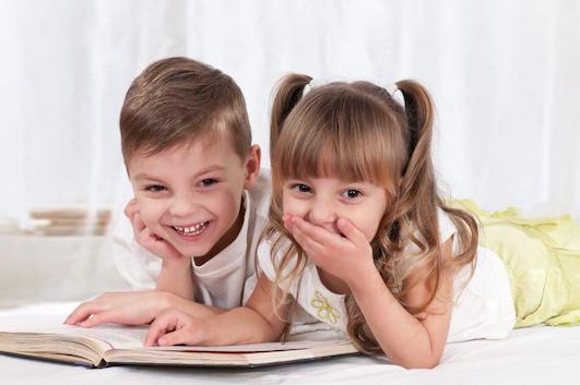 Roliga historier for barn